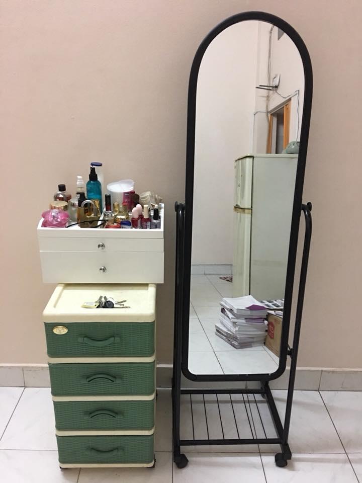 gương di động màu đen