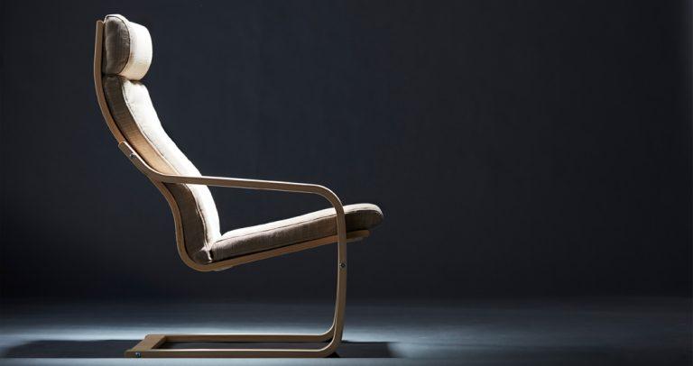 IKEA-POÄNG-armchair__201713_lisr01a_01_PH136826-768×406