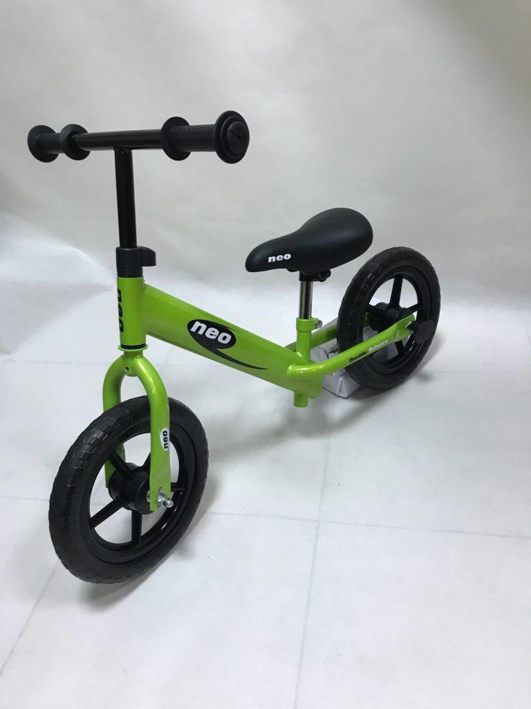 Xe đạp thăng bằng Neo YM-BB-23 xanh lá cây